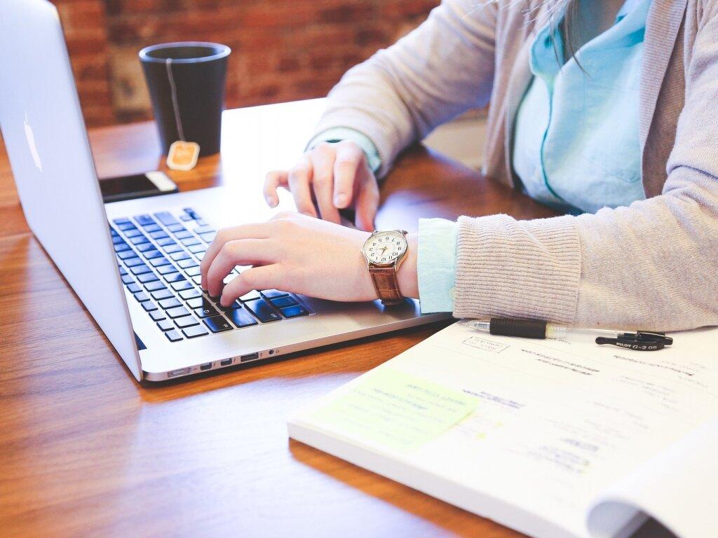 Samozatrudnienie apraca naetacie – jakie są różnice ico się bardziej opłaca?