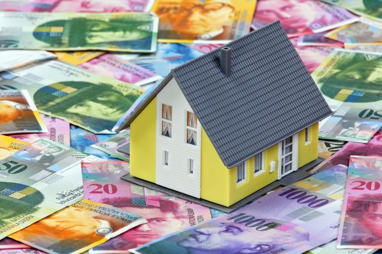 Kredyty frankowe – Klauzula podwyższonej marży doczasu wpisu hipoteki